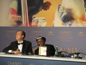 VICENÇ BATALLA | Spike Lee, amb el seu Gran Premi a Canes, contestant les preguntes dels periodistes