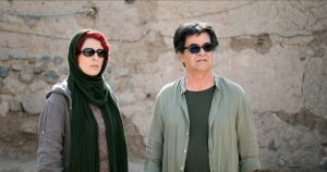 L'actriu Jafari Behnaz i el director i també actor a 3 faces Jafar Panahi