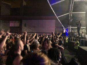 VICENÇ BATALLA | El raper de Washington GoldLink, dirigint-se a un públic enfervorit en la seva primera actuació peninsular
