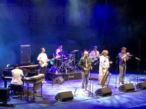 VICENÇ BATALLA | Els altres convidats d'Addis Abeba dels Akalé Wubé: el jove pianista Samuel Yirga i la imponent cantant Eténèsh Wassié
