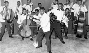 COL·LECCIÓ FRANCIS FALCETO | Els components de l'oficial Police Band a Addis Abeba el 1962, en una foto del llibre <em>Abyssinie swing: a pictural history of modern Ethiopian music</em>